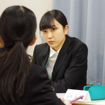 真剣な眼差しでワークに臨む沼田さん。口数は多くないが情熱は人一倍。